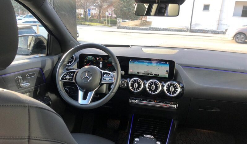 MERCEDES-BENZ GLA 2020 full